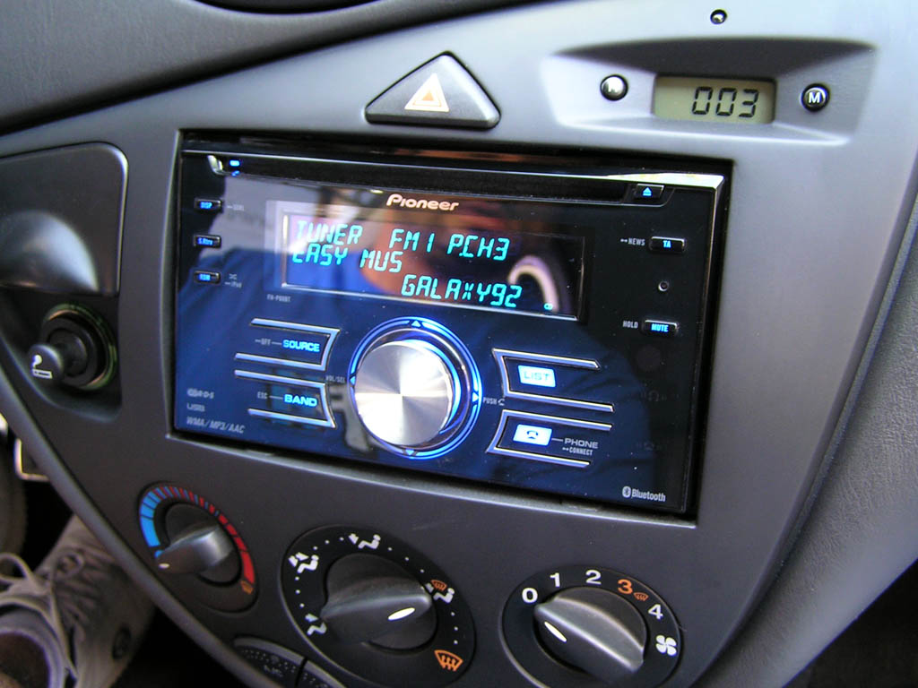 Can you fit a double din alpine headunit in a Ford Focus ...